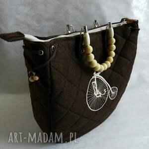 retro brązowa torba z haftem
