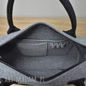 Duża szara torebka kufer z filcu z pieskiem w kieszeni - pies kundel