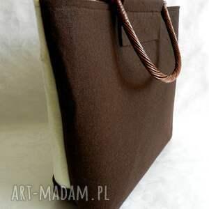 brązowe rączki filcowa torebka z kwiatowym haftem