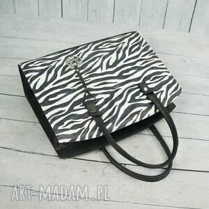 manzana białe klasyczna torebka w stylu