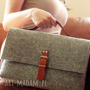 filcowa paulinska torebka do ręki ze skórą