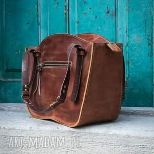 ręcznie robiony kuferek torba torebka ładybuq art skórzana solidna wytrzymała