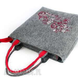torba szare szara torebka filcowa, haft, kwiaty