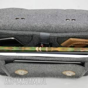 szare etui torba na laptopa z filcu