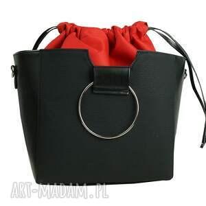 torebka do ręki czarne manzana z kółkiem