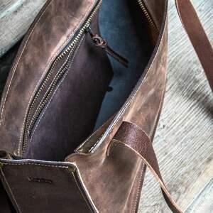 brązowe mała torebka ręcznie wykonana kuferek
