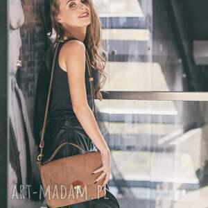 torebka do sukienki brązowe skórzana w kolorze jasno