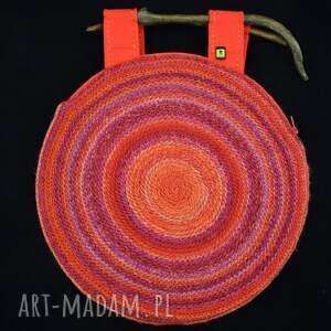 oryginalna torebka w czerwieniach