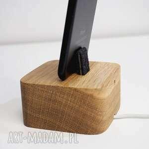 dom drewno drewniana stacja ładowania iphone