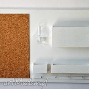 drewniany dom organizer na ścianę - 63x45 cm