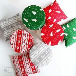 pomysł na święta prezent stołek skandynawski pokrowiec fjerne zielona choinka