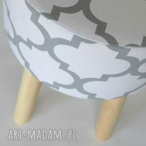 Tworczy Kat Stołek puf Fjerne M biało szaro koniczyna - handmade podnozek