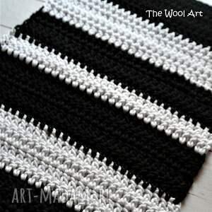 nietypowe dywany dywan czarno - biały dywanik