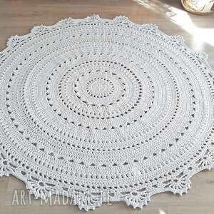 dywan mandala lace
