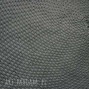 minomalistyczny dywan 150