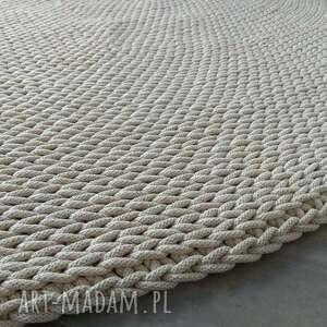 dywan okrągły dziergany round braid ecru