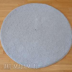 szare szydełko dywan okrągły ze sznurka
