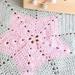 unikatowe dywany dywan pink star