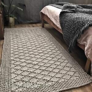 szare dywan pleciony ręcznie dziergany z grubego
