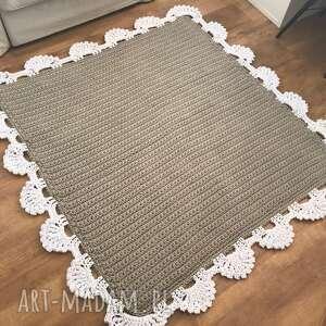 Knitting Factory Dywan z koronką kwadrat II 100x100 - dywanik