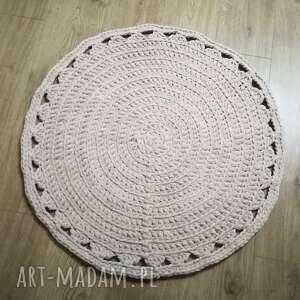 niesztampowe dywan dywanik kremowy dziergany