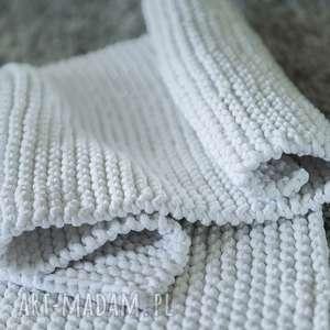 intrygujące sznurek dywaniki bielaki