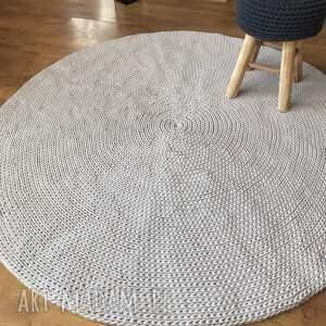 nietypowe dywany dywanpleciony okrągły dziergany dywan basic 140