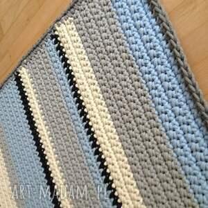 crochet dywany niebieskie podłużny pasiak 155cm x