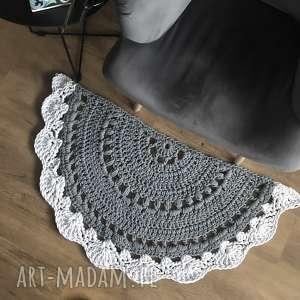dywnik pół okrągły dywanik dziergany