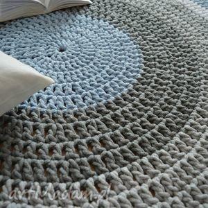 dywan ręcznie robiony okrągły