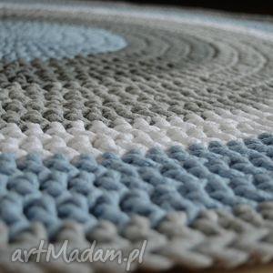 białe dziecko ręcznie robiony okrągły dywan