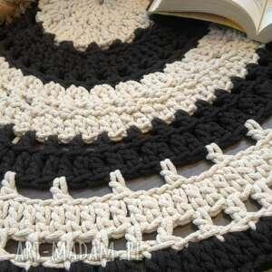 Ręcznie robiony okrągły dywan ze sznurka bawełnianego połączanie beżu sznurek