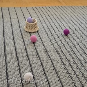 ręcznie wykonane dywany minimalizm szare paski