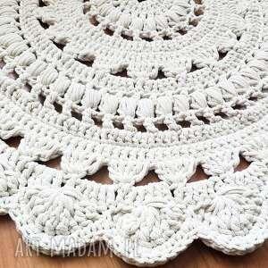 dywany wykonane ręcznie na szydełku