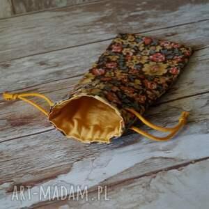 żółte etui / bawełniany woreczek