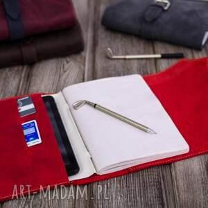 gustowne etui tablet czerwone na dziennik