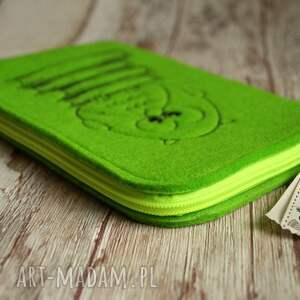 zielone etui filcowe na czytnik ebook