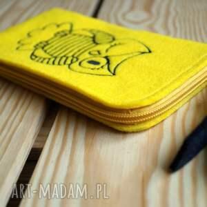 żółte etui pokrowiec filcowe na telefon - sowa