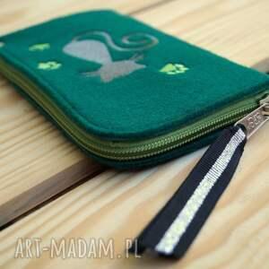 zielone etui smartfon filcowe na telefon - kotek