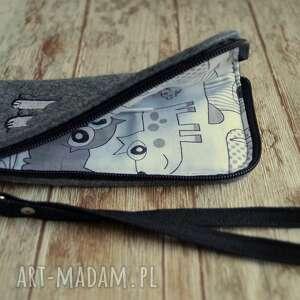 handmade etui smartfon filcowe na telefon - piesek