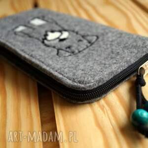 hand made etui smartfon przedmiotem sprzedaży jest widoczne na zdjęciu