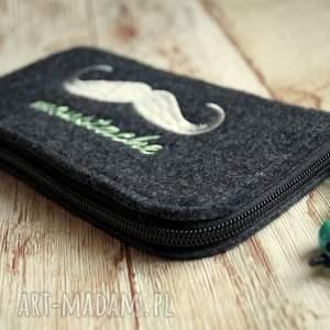 atrakcyjne etui smartfon filcowe na telefon z wąsem