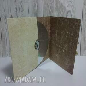 brązowe etui cd kremowo motylkowe