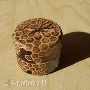 brązowe etui drewno pszczeli skarbczyk - puzderko