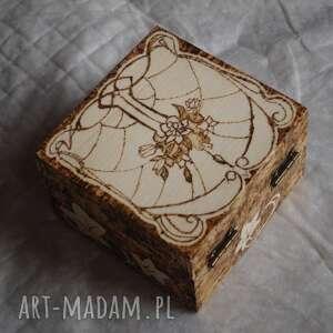 hand made etui kwiaty secesyjne puzderko - ręcznie