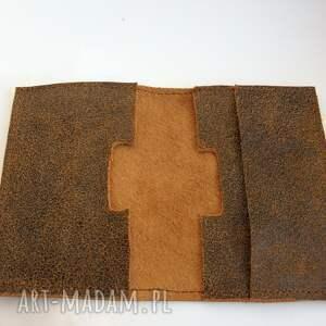 brązowe etui skóra skórzane na karty