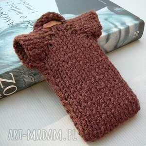 etui prezent sweterek na smartfona