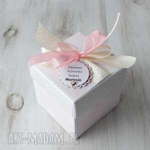 pomysł jaki prezent pod choinkę kartka pudełko pierwsza komunia