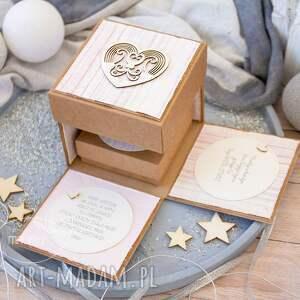 oryginalne kartki na chrzest eksplodujące pudełeczko z aniołkiem