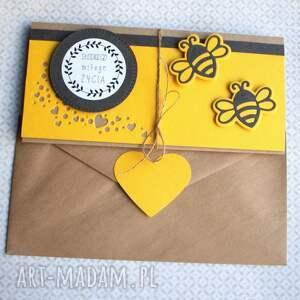 gustowne kartki kartka - kopertówka:: pszczółki